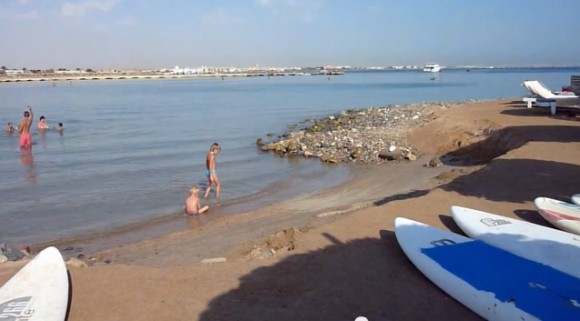 Вход в море с пляжа