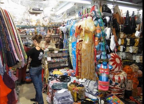 """Даже этот мировой бренд, египтяне сумели превратить в """"Восточный базар""""."""